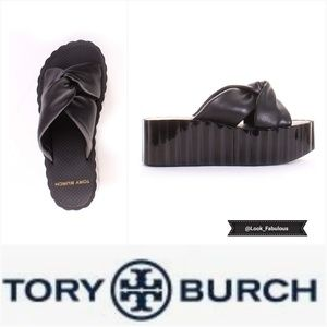 NWT TORY BURCH BLACK LEATHER SCALLOPED SANDAL